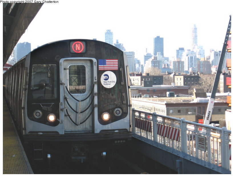 (96k, 820x620)<br><b>Country:</b> United States<br><b>City:</b> New York<br><b>System:</b> New York City Transit<br><b>Line:</b> BMT Astoria Line<br><b>Location:</b> Queensborough Plaza <br><b>Route:</b> N<br><b>Car:</b> R-160A-2 (Alstom, 2005-2008, 5 car sets)  8657 <br><b>Photo by:</b> Gary Chatterton<br><b>Date:</b> 3/9/2007<br><b>Viewed (this week/total):</b> 0 / 2435