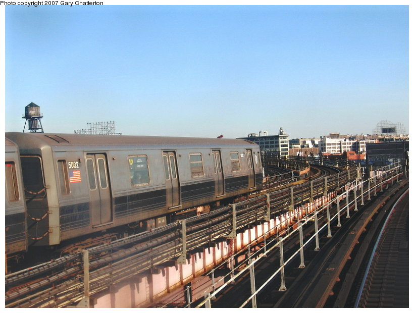 (112k, 820x620)<br><b>Country:</b> United States<br><b>City:</b> New York<br><b>System:</b> New York City Transit<br><b>Line:</b> BMT Astoria Line<br><b>Location:</b> Queensborough Plaza <br><b>Route:</b> N<br><b>Car:</b> R-68A (Kawasaki, 1988-1989)  5032 <br><b>Photo by:</b> Gary Chatterton<br><b>Date:</b> 3/9/2007<br><b>Viewed (this week/total):</b> 3 / 1890