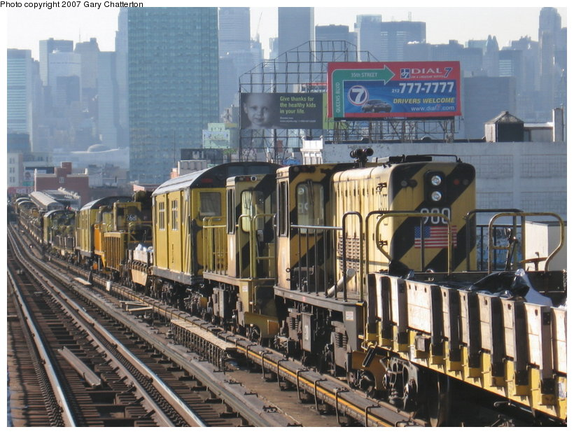(137k, 820x620)<br><b>Country:</b> United States<br><b>City:</b> New York<br><b>System:</b> New York City Transit<br><b>Line:</b> IRT Flushing Line<br><b>Location:</b> 40th Street/Lowery Street <br><b>Route:</b> Work Service<br><b>Car:</b> R-77 Locomotive  900 <br><b>Photo by:</b> Gary Chatterton<br><b>Date:</b> 3/9/2007<br><b>Viewed (this week/total):</b> 1 / 1434