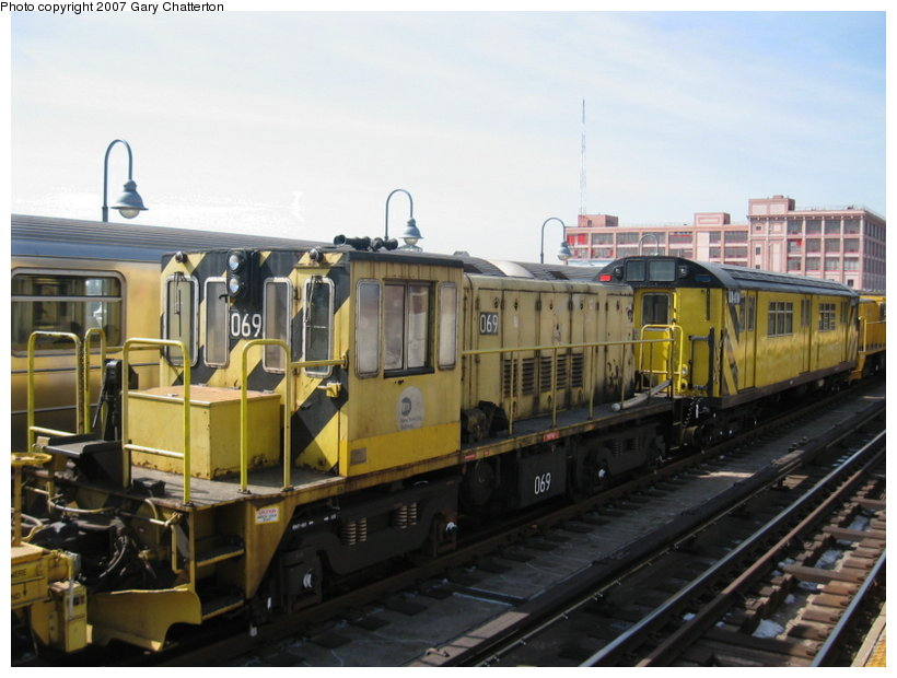 (101k, 820x620)<br><b>Country:</b> United States<br><b>City:</b> New York<br><b>System:</b> New York City Transit<br><b>Line:</b> IRT Flushing Line<br><b>Location:</b> 33rd Street/Rawson Street <br><b>Route:</b> Work Service<br><b>Car:</b> R-47 Locomotive  69 <br><b>Photo by:</b> Gary Chatterton<br><b>Date:</b> 3/9/2007<br><b>Viewed (this week/total):</b> 4 / 1102