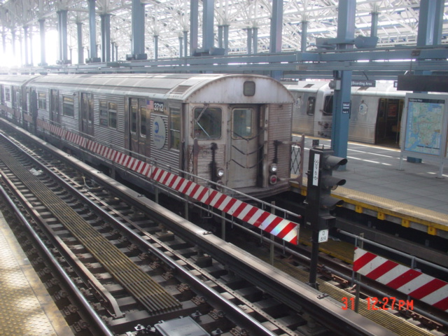 (150k, 640x480)<br><b>Country:</b> United States<br><b>City:</b> New York<br><b>System:</b> New York City Transit<br><b>Location:</b> Coney Island/Stillwell Avenue<br><b>Route:</b> F<br><b>Car:</b> R-32 (Budd, 1964)  3712 <br><b>Photo by:</b> Jin-Young Yoon<br><b>Date:</b> 3/31/2007<br><b>Viewed (this week/total):</b> 2 / 1894