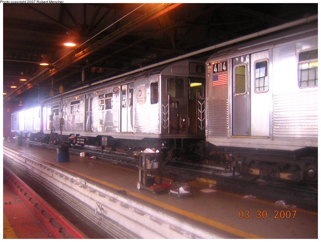 (180k, 1044x788)<br><b>Country:</b> United States<br><b>City:</b> New York<br><b>System:</b> New York City Transit<br><b>Location:</b> 207th Street Shop<br><b>Car:</b> R-38 (St. Louis, 1966-1967)  3995 <br><b>Photo by:</b> Robert Mencher<br><b>Date:</b> 3/30/2007<br><b>Viewed (this week/total):</b> 3 / 2869