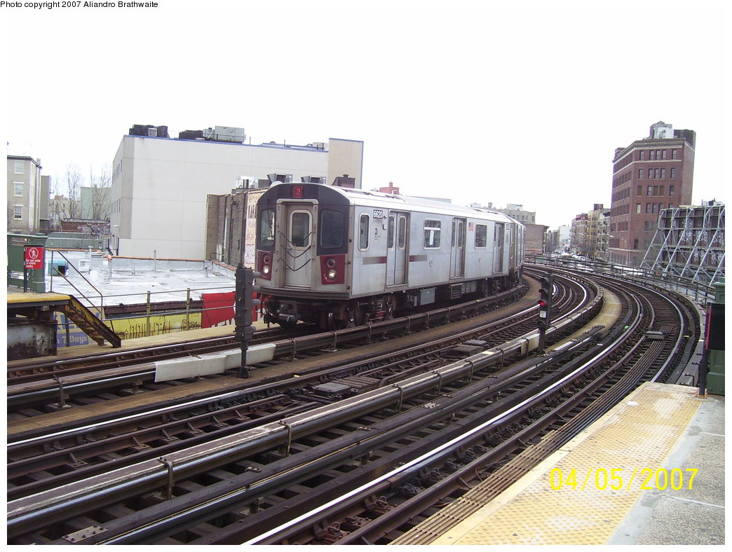 (203k, 1044x788)<br><b>Country:</b> United States<br><b>City:</b> New York<br><b>System:</b> New York City Transit<br><b>Line:</b> IRT White Plains Road Line<br><b>Location:</b> Simpson Street <br><b>Route:</b> 2<br><b>Car:</b> R-142 (Primary Order, Bombardier, 1999-2002)  6620 <br><b>Photo by:</b> Aliandro Brathwaite<br><b>Date:</b> 4/5/2007<br><b>Viewed (this week/total):</b> 0 / 2129