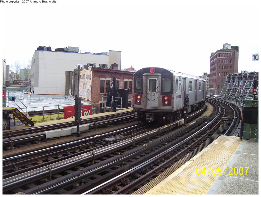 (200k, 1044x788)<br><b>Country:</b> United States<br><b>City:</b> New York<br><b>System:</b> New York City Transit<br><b>Line:</b> IRT White Plains Road Line<br><b>Location:</b> Simpson Street <br><b>Route:</b> 5<br><b>Car:</b> R-142 (Primary Order, Bombardier, 1999-2002)  6876 <br><b>Photo by:</b> Aliandro Brathwaite<br><b>Date:</b> 4/5/2007<br><b>Viewed (this week/total):</b> 3 / 3570