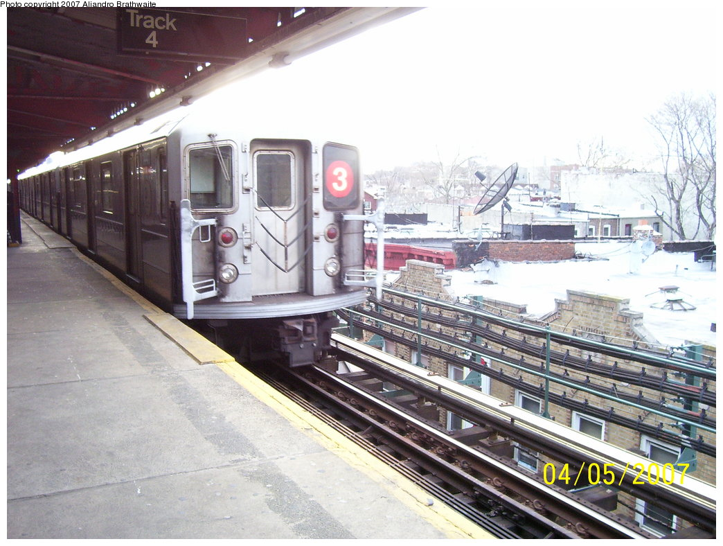 (198k, 1044x788)<br><b>Country:</b> United States<br><b>City:</b> New York<br><b>System:</b> New York City Transit<br><b>Line:</b> IRT Brooklyn Line<br><b>Location:</b> New Lots Avenue <br><b>Route:</b> 3<br><b>Car:</b> R-62 (Kawasaki, 1983-1985)  1441 <br><b>Photo by:</b> Aliandro Brathwaite<br><b>Date:</b> 4/5/2007<br><b>Viewed (this week/total):</b> 8 / 2682