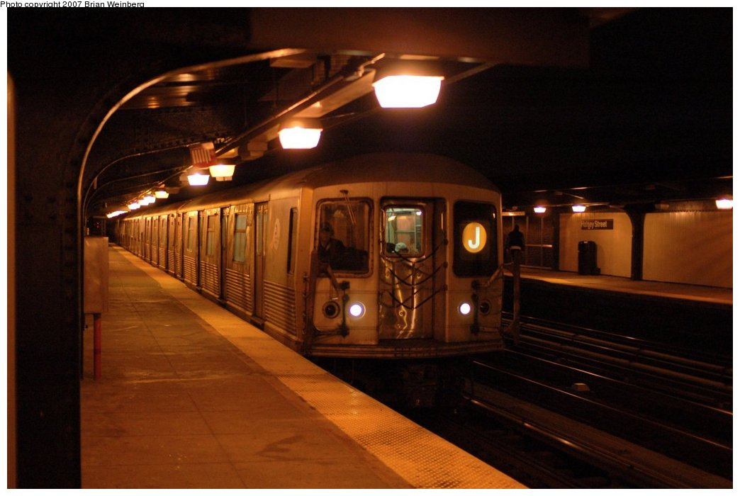 (110k, 1044x700)<br><b>Country:</b> United States<br><b>City:</b> New York<br><b>System:</b> New York City Transit<br><b>Line:</b> BMT Nassau Street/Jamaica Line<br><b>Location:</b> Halsey Street <br><b>Route:</b> J<br><b>Car:</b> R-42 (St. Louis, 1969-1970)  4619 <br><b>Photo by:</b> Brian Weinberg<br><b>Date:</b> 4/11/2007<br><b>Viewed (this week/total):</b> 0 / 2123