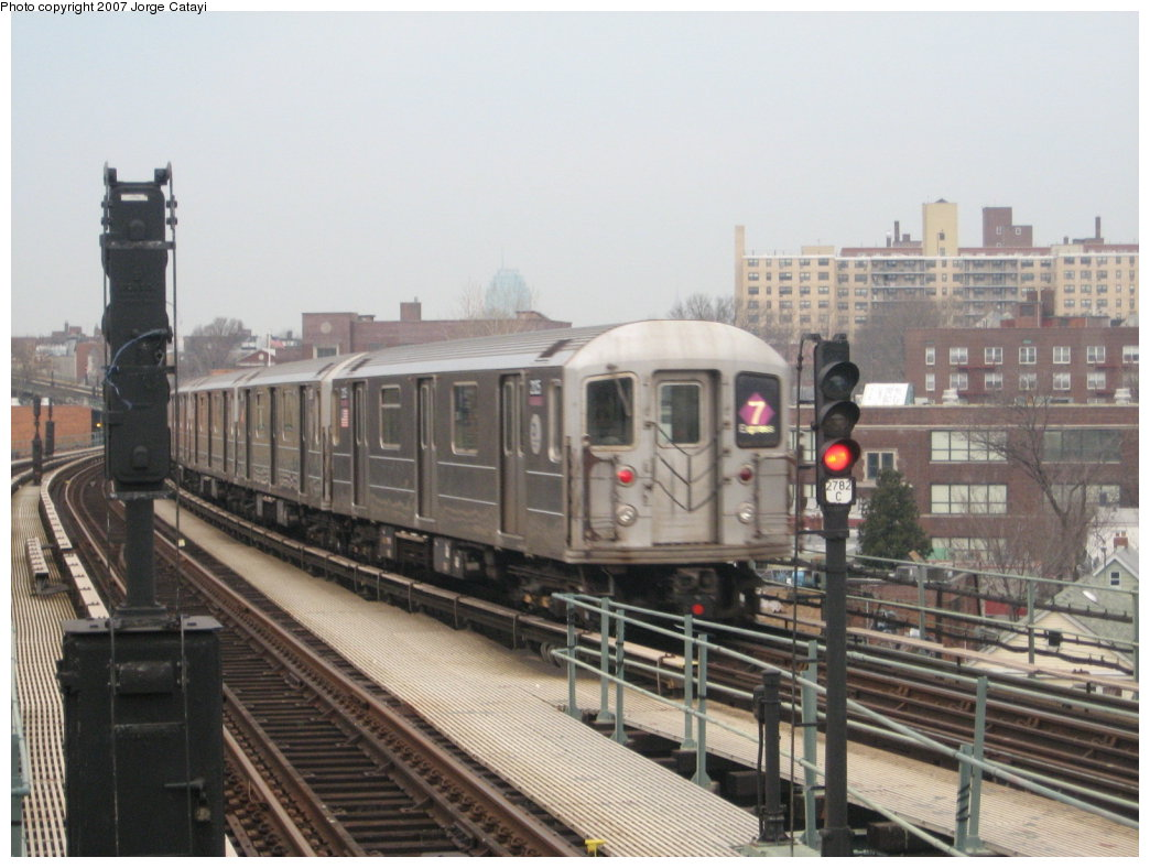 (155k, 1044x788)<br><b>Country:</b> United States<br><b>City:</b> New York<br><b>System:</b> New York City Transit<br><b>Line:</b> IRT Flushing Line<br><b>Location:</b> 61st Street/Woodside <br><b>Route:</b> 7<br><b>Car:</b> R-62A (Bombardier, 1984-1987)  2125 <br><b>Photo by:</b> Jorge Catayi<br><b>Date:</b> 3/14/2007<br><b>Viewed (this week/total):</b> 1 / 1555