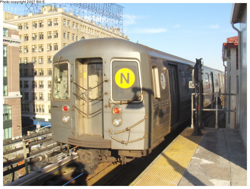 (116k, 820x622)<br><b>Country:</b> United States<br><b>City:</b> New York<br><b>System:</b> New York City Transit<br><b>Line:</b> BMT Astoria Line<br><b>Location:</b> Queensborough Plaza <br><b>Route:</b> N<br><b>Car:</b> R-68A (Kawasaki, 1988-1989)  5100 <br><b>Photo by:</b> Bill E.<br><b>Date:</b> 4/21/2007<br><b>Viewed (this week/total):</b> 4 / 1425