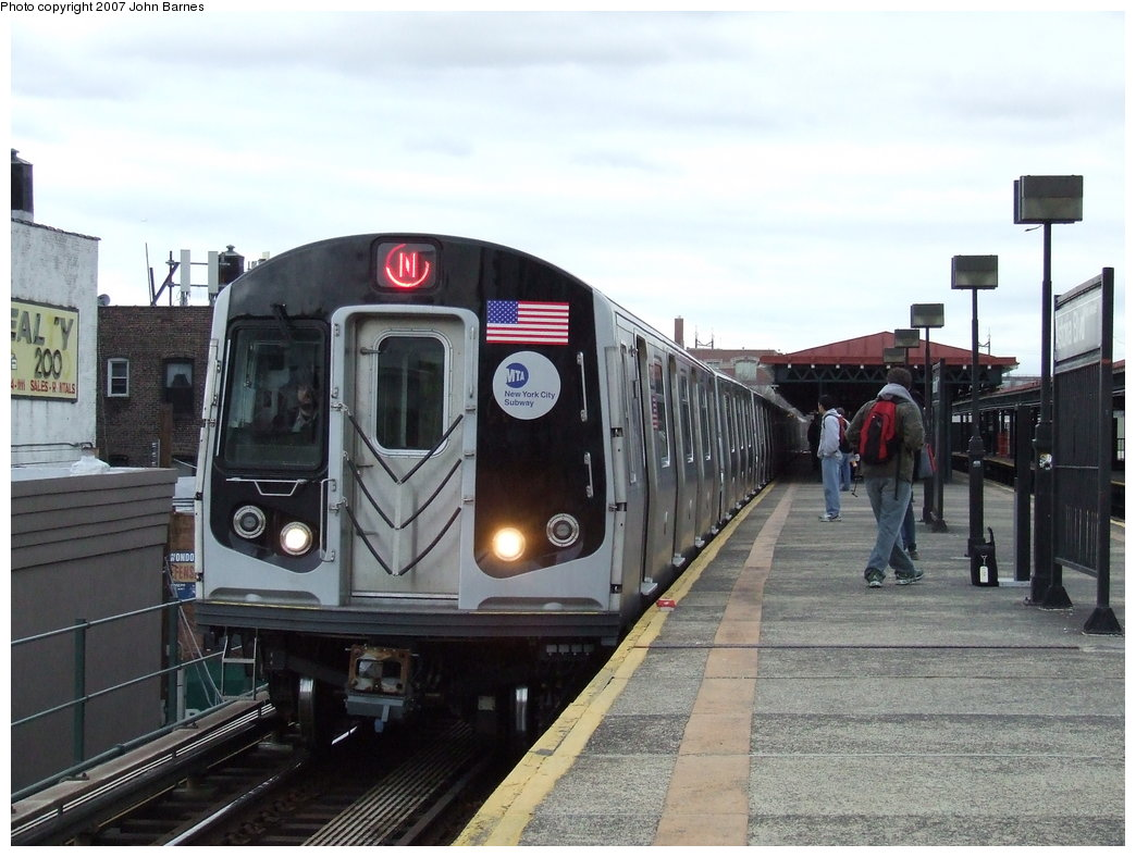 (166k, 1044x788)<br><b>Country:</b> United States<br><b>City:</b> New York<br><b>System:</b> New York City Transit<br><b>Line:</b> BMT Astoria Line<br><b>Location:</b> Astoria Boulevard/Hoyt Avenue <br><b>Route:</b> N<br><b>Car:</b> R-160B (Kawasaki, 2005-2008)  8738 <br><b>Photo by:</b> John Barnes<br><b>Date:</b> 4/18/2007<br><b>Viewed (this week/total):</b> 1 / 3187