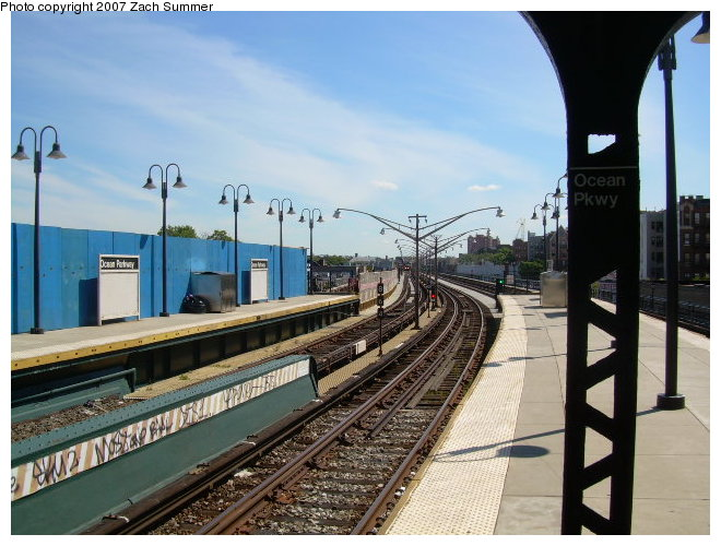 (122k, 660x500)<br><b>Country:</b> United States<br><b>City:</b> New York<br><b>System:</b> New York City Transit<br><b>Line:</b> BMT Brighton Line<br><b>Location:</b> Ocean Parkway <br><b>Photo by:</b> Zach Summer<br><b>Date:</b> 8/13/2006<br><b>Viewed (this week/total):</b> 2 / 793