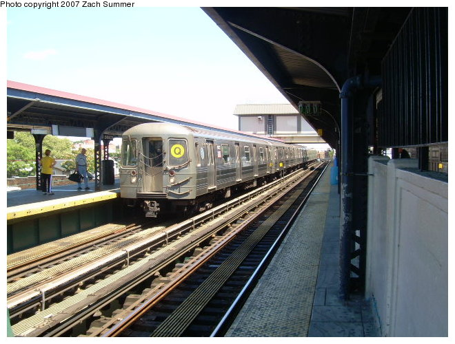 (127k, 660x500)<br><b>Country:</b> United States<br><b>City:</b> New York<br><b>System:</b> New York City Transit<br><b>Line:</b> BMT Brighton Line<br><b>Location:</b> Brighton Beach <br><b>Route:</b> Q<br><b>Car:</b> R-68A (Kawasaki, 1988-1989)   <br><b>Photo by:</b> Zach Summer<br><b>Date:</b> 8/13/2006<br><b>Viewed (this week/total):</b> 3 / 1264