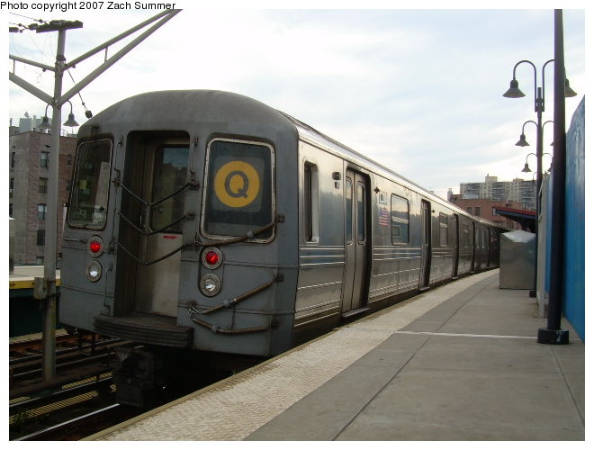 (104k, 660x500)<br><b>Country:</b> United States<br><b>City:</b> New York<br><b>System:</b> New York City Transit<br><b>Line:</b> BMT Brighton Line<br><b>Location:</b> Ocean Parkway <br><b>Route:</b> Q<br><b>Car:</b> R-68 (Westinghouse-Amrail, 1986-1988)  2834 <br><b>Photo by:</b> Zach Summer<br><b>Date:</b> 8/22/2006<br><b>Viewed (this week/total):</b> 0 / 1753
