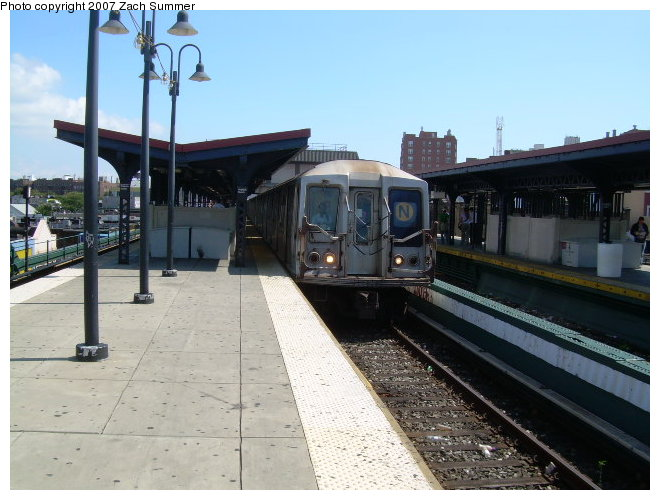 (113k, 660x500)<br><b>Country:</b> United States<br><b>City:</b> New York<br><b>System:</b> New York City Transit<br><b>Line:</b> BMT Brighton Line<br><b>Location:</b> Brighton Beach <br><b>Route:</b> N<br><b>Car:</b> R-40 (St. Louis, 1968)   <br><b>Photo by:</b> Zach Summer<br><b>Date:</b> 9/3/2006<br><b>Notes:</b> Rerouted N from Dekalb via Brighton line.<br><b>Viewed (this week/total):</b> 1 / 1329