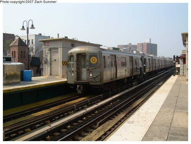 (115k, 660x500)<br><b>Country:</b> United States<br><b>City:</b> New York<br><b>System:</b> New York City Transit<br><b>Line:</b> BMT Brighton Line<br><b>Location:</b> Brighton Beach <br><b>Route:</b> Q<br><b>Car:</b> R-68A (Kawasaki, 1988-1989)  5020 <br><b>Photo by:</b> Zach Summer<br><b>Date:</b> 9/9/2006<br><b>Viewed (this week/total):</b> 4 / 1527