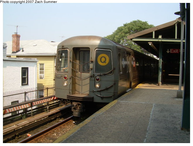 (116k, 660x500)<br><b>Country:</b> United States<br><b>City:</b> New York<br><b>System:</b> New York City Transit<br><b>Line:</b> BMT Brighton Line<br><b>Location:</b> Kings Highway <br><b>Route:</b> Q<br><b>Car:</b> R-68A (Kawasaki, 1988-1989)  5074 <br><b>Photo by:</b> Zach Summer<br><b>Date:</b> 9/9/2006<br><b>Viewed (this week/total):</b> 2 / 1177