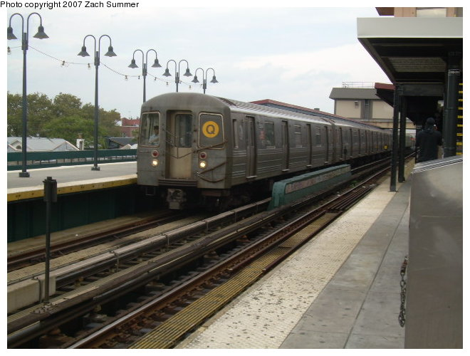 (109k, 660x500)<br><b>Country:</b> United States<br><b>City:</b> New York<br><b>System:</b> New York City Transit<br><b>Line:</b> BMT Brighton Line<br><b>Location:</b> Brighton Beach <br><b>Route:</b> Q<br><b>Car:</b> R-68A (Kawasaki, 1988-1989)  51xx <br><b>Photo by:</b> Zach Summer<br><b>Date:</b> 9/24/2006<br><b>Viewed (this week/total):</b> 1 / 1106