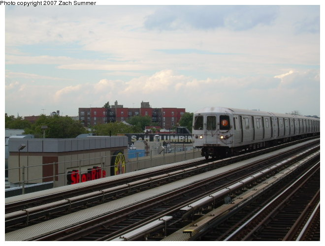 (105k, 660x500)<br><b>Country:</b> United States<br><b>City:</b> New York<br><b>System:</b> New York City Transit<br><b>Line:</b> BMT Culver Line<br><b>Location:</b> Avenue I <br><b>Route:</b> F<br><b>Car:</b> R-46 (Pullman-Standard, 1974-75)  <br><b>Photo by:</b> Zach Summer<br><b>Date:</b> 9/24/2006<br><b>Viewed (this week/total):</b> 3 / 1504