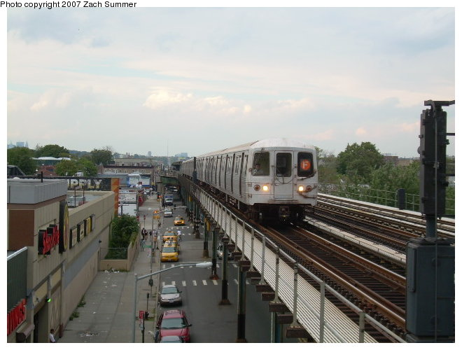 (106k, 660x500)<br><b>Country:</b> United States<br><b>City:</b> New York<br><b>System:</b> New York City Transit<br><b>Line:</b> BMT Culver Line<br><b>Location:</b> Avenue I <br><b>Route:</b> F<br><b>Car:</b> R-46 (Pullman-Standard, 1974-75)  <br><b>Photo by:</b> Zach Summer<br><b>Date:</b> 9/24/2006<br><b>Viewed (this week/total):</b> 2 / 1864