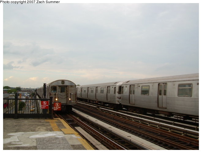 (95k, 660x500)<br><b>Country:</b> United States<br><b>City:</b> New York<br><b>System:</b> New York City Transit<br><b>Line:</b> BMT Culver Line<br><b>Location:</b> Avenue I <br><b>Route:</b> F<br><b>Car:</b> R-46 (Pullman-Standard, 1974-75)  <br><b>Photo by:</b> Zach Summer<br><b>Date:</b> 9/24/2006<br><b>Viewed (this week/total):</b> 1 / 1727
