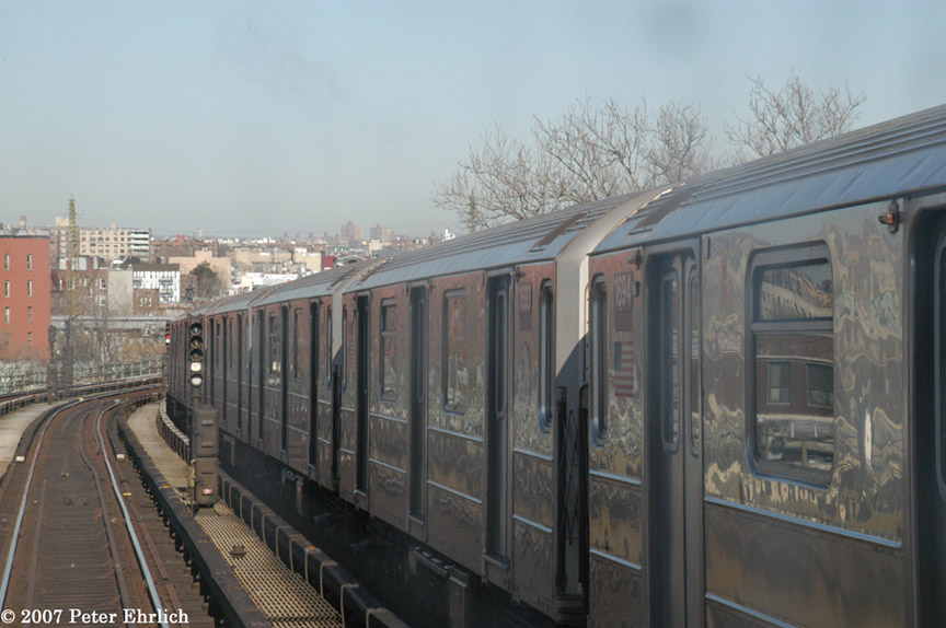 (159k, 864x574)<br><b>Country:</b> United States<br><b>City:</b> New York<br><b>System:</b> New York City Transit<br><b>Line:</b> IRT Flushing Line<br><b>Location:</b> 61st Street/Woodside <br><b>Car:</b> R-62A (Bombardier, 1984-1987)  1694 <br><b>Photo by:</b> Peter Ehrlich<br><b>Date:</b> 4/20/2007<br><b>Notes:</b> View from an outbound express train, approaching 61st/Woodside.<br><b>Viewed (this week/total):</b> 3 / 1147