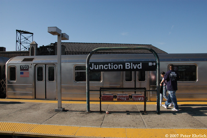 (174k, 864x574)<br><b>Country:</b> United States<br><b>City:</b> New York<br><b>System:</b> New York City Transit<br><b>Line:</b> IRT Flushing Line<br><b>Location:</b> Junction Boulevard <br><b>Car:</b> R-62A (Bombardier, 1984-1987)  1723 <br><b>Photo by:</b> Peter Ehrlich<br><b>Date:</b> 4/20/2007<br><b>Viewed (this week/total):</b> 2 / 2005
