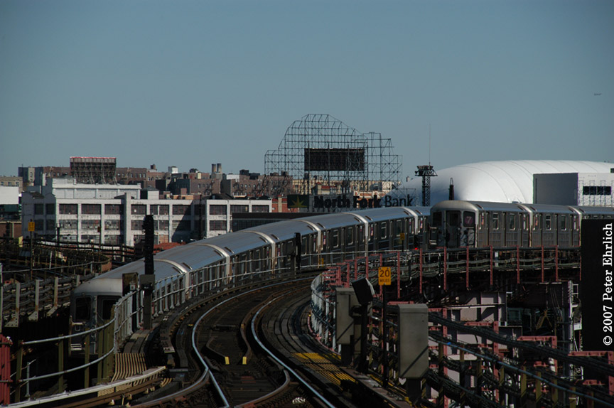 (169k, 864x574)<br><b>Country:</b> United States<br><b>City:</b> New York<br><b>System:</b> New York City Transit<br><b>Line:</b> IRT Flushing Line<br><b>Location:</b> Queensborough Plaza <br><b>Car:</b> R-62A (Bombardier, 1984-1987)  1776 <br><b>Photo by:</b> Peter Ehrlich<br><b>Date:</b> 4/20/2007<br><b>Notes:</b> Inbound, outbound trains passing east of Queensboro Plaza.<br><b>Viewed (this week/total):</b> 0 / 2543