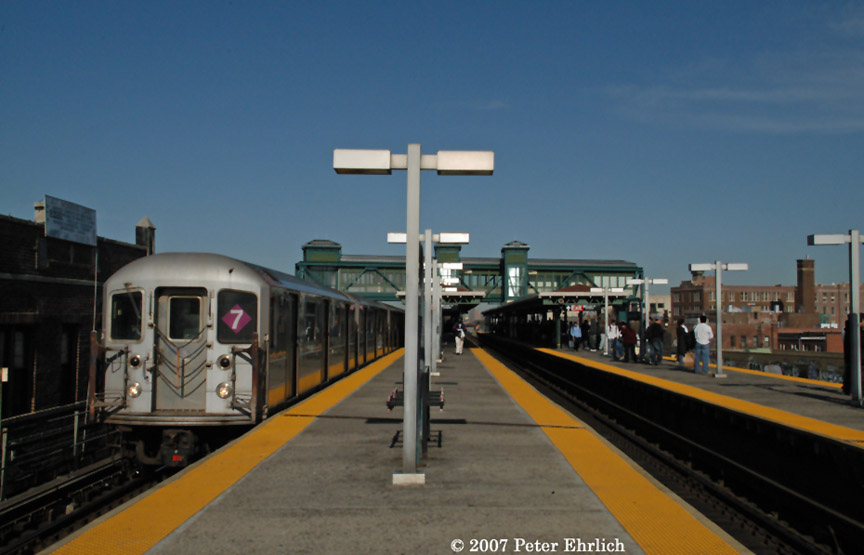 (134k, 864x555)<br><b>Country:</b> United States<br><b>City:</b> New York<br><b>System:</b> New York City Transit<br><b>Line:</b> IRT Flushing Line<br><b>Location:</b> Junction Boulevard <br><b>Car:</b> R-62A (Bombardier, 1984-1987)  1811 <br><b>Photo by:</b> Peter Ehrlich<br><b>Date:</b> 4/20/2007<br><b>Viewed (this week/total):</b> 1 / 2075