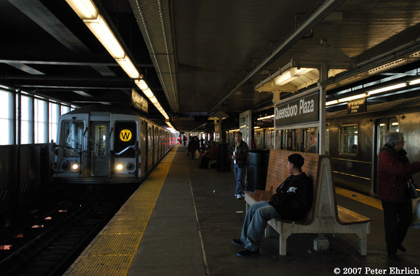 (175k, 864x568)<br><b>Country:</b> United States<br><b>City:</b> New York<br><b>System:</b> New York City Transit<br><b>Line:</b> BMT Astoria Line<br><b>Location:</b> Queensborough Plaza <br><b>Car:</b> R-40 (St. Louis, 1968)  4203 <br><b>Photo by:</b> Peter Ehrlich<br><b>Date:</b> 4/20/2007<br><b>Notes:</b> Queensboro Plaza inbound, with R62A 2113 on right.<br><b>Viewed (this week/total):</b> 0 / 2299