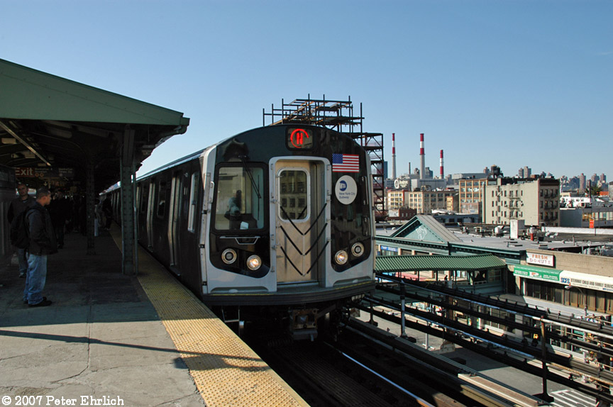 (185k, 864x574)<br><b>Country:</b> United States<br><b>City:</b> New York<br><b>System:</b> New York City Transit<br><b>Line:</b> BMT Astoria Line<br><b>Location:</b> Queensborough Plaza <br><b>Car:</b> R-160B (Kawasaki, 2005-2008)  8753 <br><b>Photo by:</b> Peter Ehrlich<br><b>Date:</b> 4/20/2007<br><b>Notes:</b> At Queensboro Plaza outbound.<br><b>Viewed (this week/total):</b> 3 / 1971