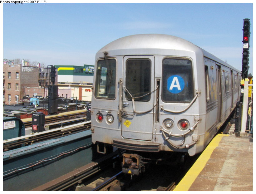 (107k, 820x622)<br><b>Country:</b> United States<br><b>City:</b> New York<br><b>System:</b> New York City Transit<br><b>Line:</b> IND Fulton Street Line<br><b>Location:</b> Rockaway Boulevard <br><b>Route:</b> A<br><b>Car:</b> R-44 (St. Louis, 1971-73)  <br><b>Photo by:</b> Bill E.<br><b>Date:</b> 4/22/2007<br><b>Viewed (this week/total):</b> 0 / 2048