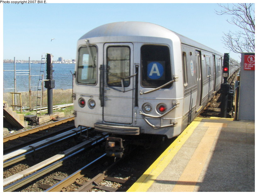 (117k, 820x622)<br><b>Country:</b> United States<br><b>City:</b> New York<br><b>System:</b> New York City Transit<br><b>Line:</b> IND Rockaway<br><b>Location:</b> Broad Channel <br><b>Route:</b> A<br><b>Car:</b> R-44 (St. Louis, 1971-73)  <br><b>Photo by:</b> Bill E.<br><b>Date:</b> 4/22/2007<br><b>Viewed (this week/total):</b> 0 / 1602