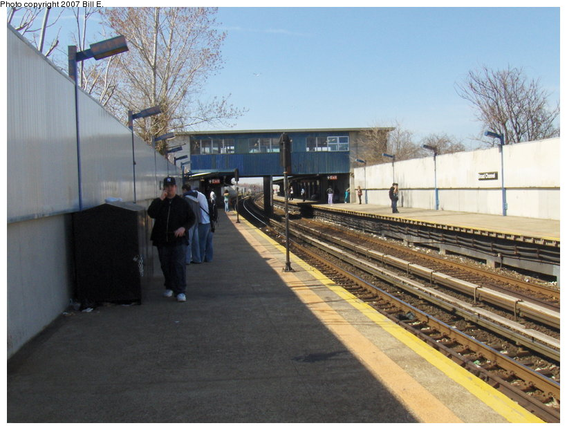 (116k, 820x622)<br><b>Country:</b> United States<br><b>City:</b> New York<br><b>System:</b> New York City Transit<br><b>Line:</b> IND Rockaway<br><b>Location:</b> Broad Channel <br><b>Photo by:</b> Bill E.<br><b>Date:</b> 4/22/2007<br><b>Viewed (this week/total):</b> 0 / 1268