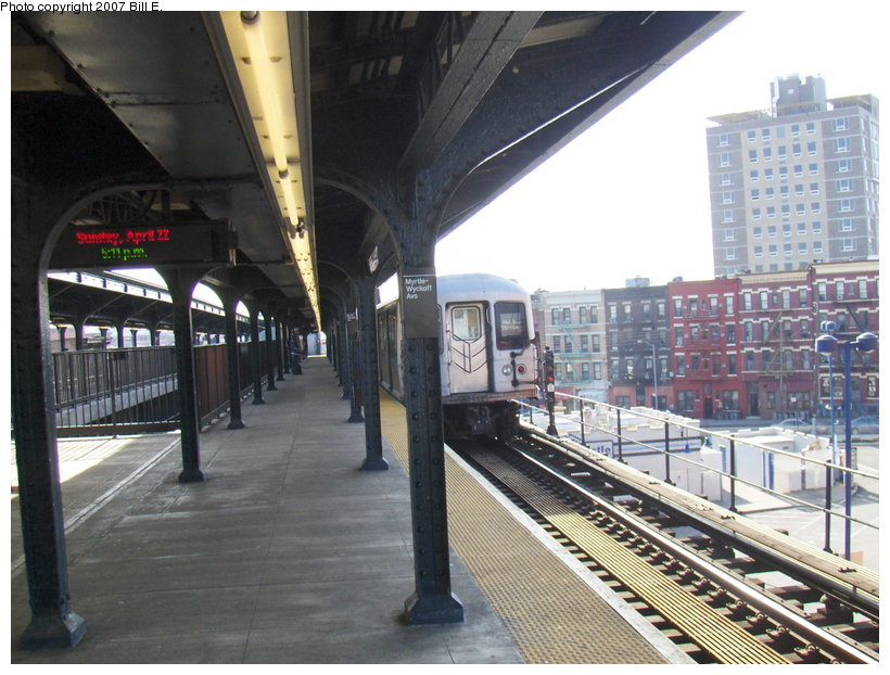 (123k, 820x622)<br><b>Country:</b> United States<br><b>City:</b> New York<br><b>System:</b> New York City Transit<br><b>Line:</b> BMT Myrtle Avenue Line<br><b>Location:</b> Wyckoff Avenue <br><b>Car:</b> R-42 (St. Louis, 1969-1970)   <br><b>Photo by:</b> Bill E.<br><b>Date:</b> 4/22/2007<br><b>Viewed (this week/total):</b> 8 / 2425