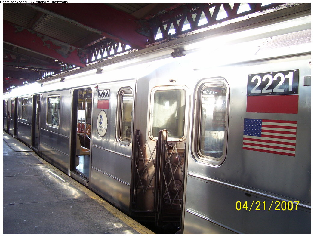(186k, 1044x788)<br><b>Country:</b> United States<br><b>City:</b> New York<br><b>System:</b> New York City Transit<br><b>Line:</b> IRT Brooklyn Line<br><b>Location:</b> New Lots Avenue <br><b>Route:</b> 3<br><b>Car:</b> R-62A (Bombardier, 1984-1987)  2221/2222 <br><b>Photo by:</b> Aliandro Brathwaite<br><b>Date:</b> 4/21/2007<br><b>Viewed (this week/total):</b> 6 / 2797