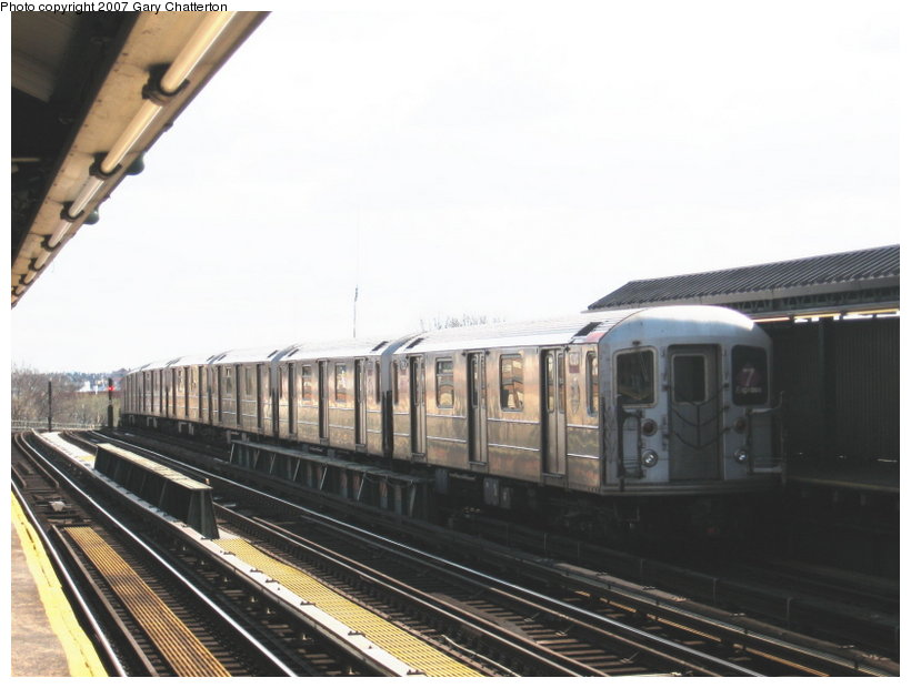 (87k, 820x620)<br><b>Country:</b> United States<br><b>City:</b> New York<br><b>System:</b> New York City Transit<br><b>Line:</b> IRT Flushing Line<br><b>Location:</b> 52nd Street/Lincoln Avenue <br><b>Route:</b> 7<br><b>Car:</b> R-62A (Bombardier, 1984-1987)  1791 <br><b>Photo by:</b> Gary Chatterton<br><b>Date:</b> 4/13/2007<br><b>Viewed (this week/total):</b> 5 / 949