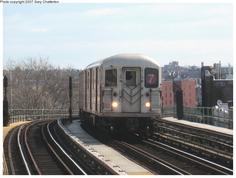 (105k, 820x620)<br><b>Country:</b> United States<br><b>City:</b> New York<br><b>System:</b> New York City Transit<br><b>Line:</b> IRT Flushing Line<br><b>Location:</b> 52nd Street/Lincoln Avenue <br><b>Route:</b> 7<br><b>Car:</b> R-62A (Bombardier, 1984-1987)  1785 <br><b>Photo by:</b> Gary Chatterton<br><b>Date:</b> 4/13/2007<br><b>Viewed (this week/total):</b> 1 / 1195