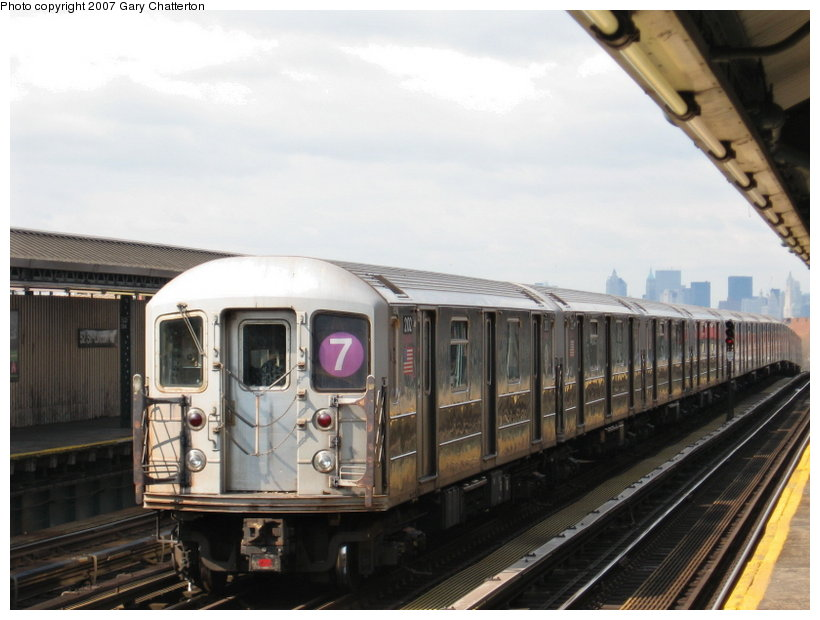 (95k, 820x620)<br><b>Country:</b> United States<br><b>City:</b> New York<br><b>System:</b> New York City Transit<br><b>Line:</b> IRT Flushing Line<br><b>Location:</b> 52nd Street/Lincoln Avenue <br><b>Route:</b> 7<br><b>Car:</b> R-62A (Bombardier, 1984-1987)  2102 <br><b>Photo by:</b> Gary Chatterton<br><b>Date:</b> 4/13/2007<br><b>Viewed (this week/total):</b> 0 / 1228