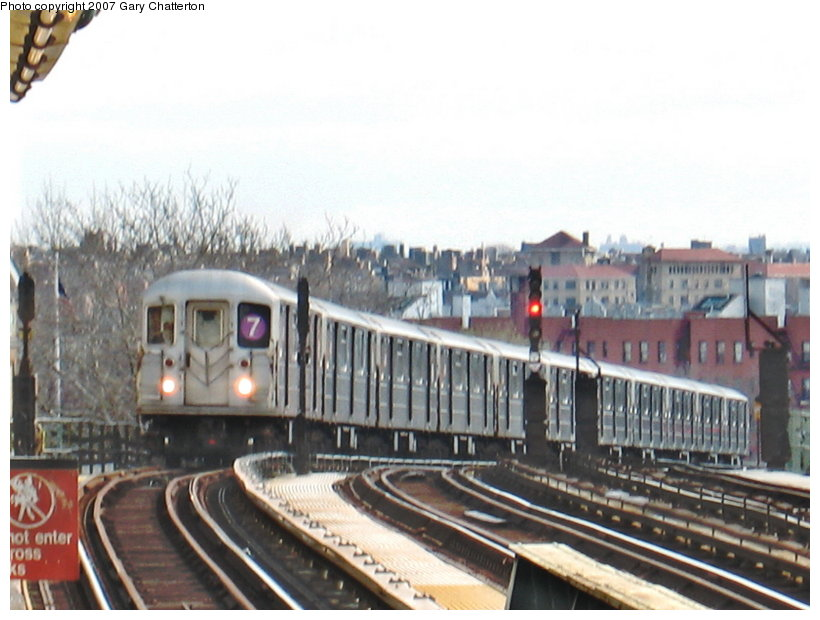 (102k, 820x620)<br><b>Country:</b> United States<br><b>City:</b> New York<br><b>System:</b> New York City Transit<br><b>Line:</b> IRT Flushing Line<br><b>Location:</b> 52nd Street/Lincoln Avenue <br><b>Route:</b> 7<br><b>Car:</b> R-62A (Bombardier, 1984-1987)  1735 <br><b>Photo by:</b> Gary Chatterton<br><b>Date:</b> 4/13/2007<br><b>Viewed (this week/total):</b> 1 / 1692