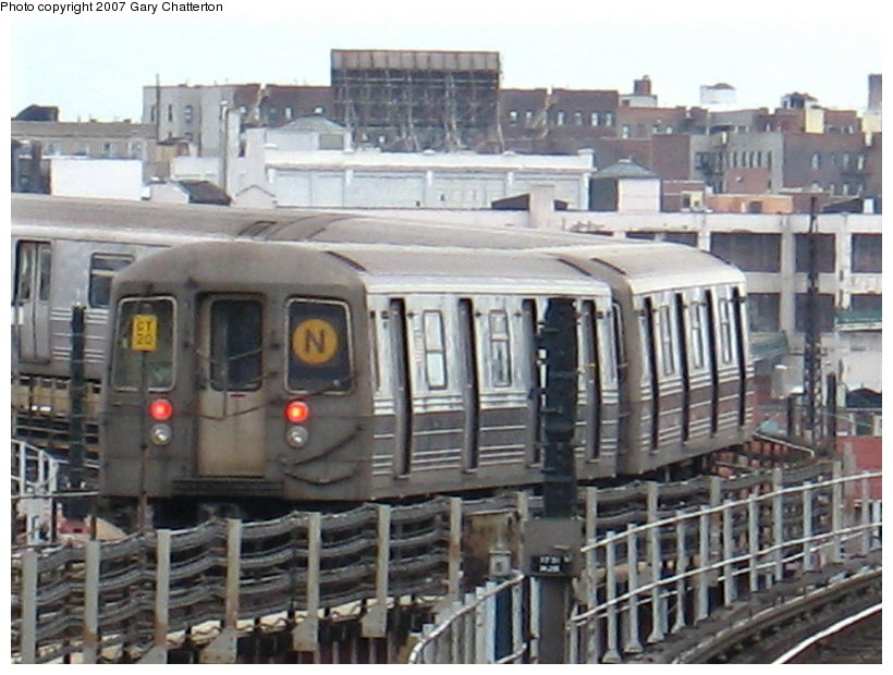 (116k, 820x620)<br><b>Country:</b> United States<br><b>City:</b> New York<br><b>System:</b> New York City Transit<br><b>Line:</b> BMT Astoria Line<br><b>Location:</b> Queensborough Plaza <br><b>Route:</b> N<br><b>Car:</b> R-68 (Westinghouse-Amrail, 1986-1988)  2826 <br><b>Photo by:</b> Gary Chatterton<br><b>Date:</b> 4/13/2007<br><b>Viewed (this week/total):</b> 1 / 1779