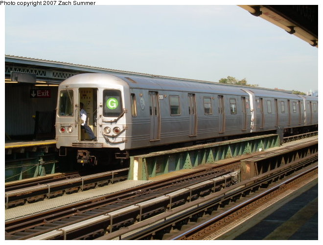 (119k, 660x500)<br><b>Country:</b> United States<br><b>City:</b> New York<br><b>System:</b> New York City Transit<br><b>Line:</b> BMT Culver Line<br><b>Location:</b> Avenue P <br><b>Route:</b> G<br><b>Car:</b> R-46 (Pullman-Standard, 1974-75)  <br><b>Photo by:</b> Zach Summer<br><b>Date:</b> 9/30/2006<br><b>Viewed (this week/total):</b> 1 / 2144