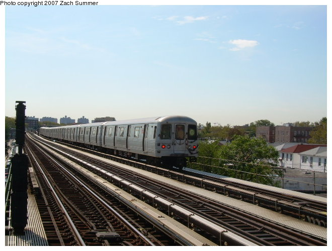 (115k, 660x500)<br><b>Country:</b> United States<br><b>City:</b> New York<br><b>System:</b> New York City Transit<br><b>Line:</b> BMT Culver Line<br><b>Location:</b> Avenue P <br><b>Route:</b> G<br><b>Car:</b> R-46 (Pullman-Standard, 1974-75)  <br><b>Photo by:</b> Zach Summer<br><b>Date:</b> 9/30/2006<br><b>Viewed (this week/total):</b> 2 / 1561