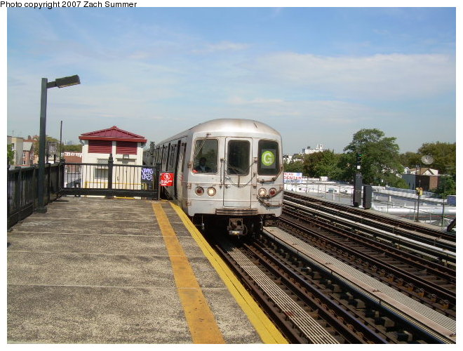 (131k, 660x500)<br><b>Country:</b> United States<br><b>City:</b> New York<br><b>System:</b> New York City Transit<br><b>Line:</b> BMT Culver Line<br><b>Location:</b> Avenue P <br><b>Route:</b> G<br><b>Car:</b> R-46 (Pullman-Standard, 1974-75)  <br><b>Photo by:</b> Zach Summer<br><b>Date:</b> 9/30/2006<br><b>Viewed (this week/total):</b> 0 / 1441