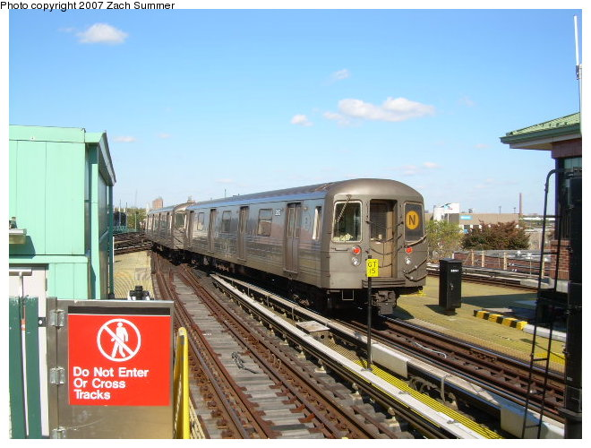 (120k, 660x500)<br><b>Country:</b> United States<br><b>City:</b> New York<br><b>System:</b> New York City Transit<br><b>Location:</b> Coney Island/Stillwell Avenue<br><b>Route:</b> N<br><b>Car:</b> R-68 (Westinghouse-Amrail, 1986-1988)  2872 <br><b>Photo by:</b> Zach Summer<br><b>Date:</b> 10/21/2006<br><b>Viewed (this week/total):</b> 0 / 1219