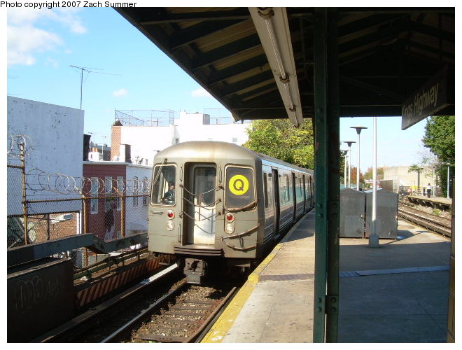 (122k, 660x500)<br><b>Country:</b> United States<br><b>City:</b> New York<br><b>System:</b> New York City Transit<br><b>Line:</b> BMT Brighton Line<br><b>Location:</b> Kings Highway <br><b>Route:</b> Q<br><b>Car:</b> R-68A (Kawasaki, 1988-1989)   <br><b>Photo by:</b> Zach Summer<br><b>Date:</b> 10/21/2006<br><b>Viewed (this week/total):</b> 0 / 1253
