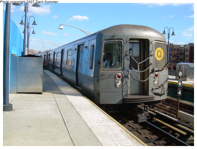 (116k, 660x500)<br><b>Country:</b> United States<br><b>City:</b> New York<br><b>System:</b> New York City Transit<br><b>Line:</b> BMT Brighton Line<br><b>Location:</b> Ocean Parkway <br><b>Route:</b> Q<br><b>Car:</b> R-68 (Westinghouse-Amrail, 1986-1988)  2876 <br><b>Photo by:</b> Zach Summer<br><b>Date:</b> 10/21/2006<br><b>Viewed (this week/total):</b> 3 / 1304