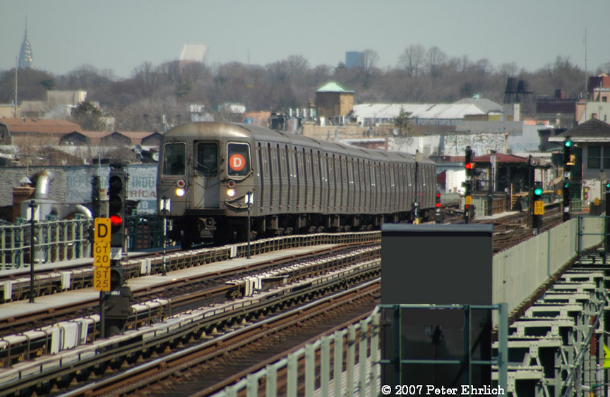 (196k, 864x563)<br><b>Country:</b> United States<br><b>City:</b> New York<br><b>System:</b> New York City Transit<br><b>Line:</b> BMT West End Line<br><b>Location:</b> 71st Street <br><b>Route:</b> D<br><b>Car:</b> R-68 (Westinghouse-Amrail, 1986-1988)  2544 <br><b>Photo by:</b> Peter Ehrlich<br><b>Date:</b> 4/20/2007<br><b>Viewed (this week/total):</b> 0 / 2172