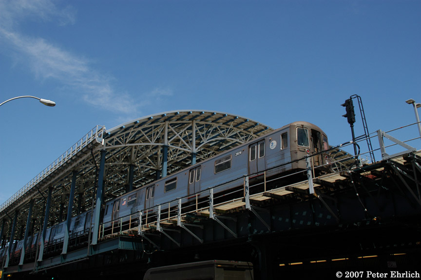 (150k, 864x574)<br><b>Country:</b> United States<br><b>City:</b> New York<br><b>System:</b> New York City Transit<br><b>Location:</b> Coney Island/Stillwell Avenue<br><b>Route:</b> D<br><b>Car:</b> R-68 (Westinghouse-Amrail, 1986-1988)  2606 <br><b>Photo by:</b> Peter Ehrlich<br><b>Date:</b> 4/20/2007<br><b>Viewed (this week/total):</b> 0 / 1651