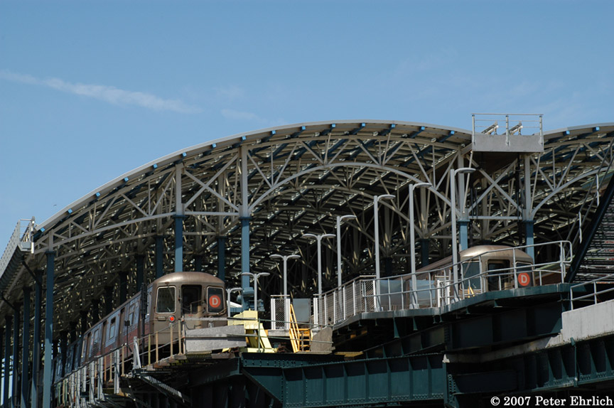 (185k, 864x574)<br><b>Country:</b> United States<br><b>City:</b> New York<br><b>System:</b> New York City Transit<br><b>Location:</b> Coney Island/Stillwell Avenue<br><b>Route:</b> D<br><b>Car:</b> R-68 (Westinghouse-Amrail, 1986-1988)  2606 <br><b>Photo by:</b> Peter Ehrlich<br><b>Date:</b> 4/20/2007<br><b>Viewed (this week/total):</b> 0 / 1789