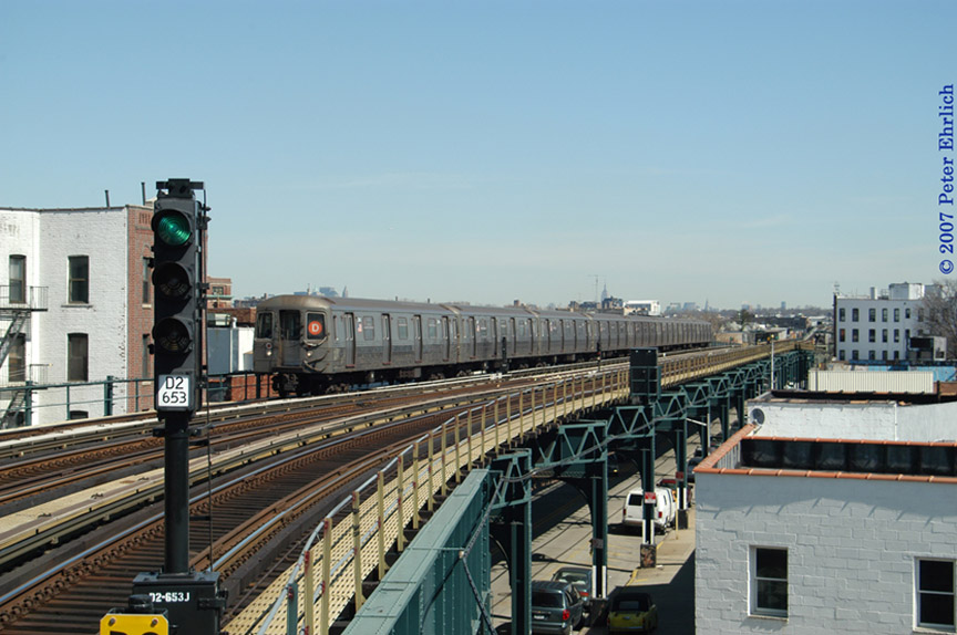 (176k, 864x574)<br><b>Country:</b> United States<br><b>City:</b> New York<br><b>System:</b> New York City Transit<br><b>Line:</b> BMT West End Line<br><b>Location:</b> 18th Avenue <br><b>Route:</b> D<br><b>Car:</b> R-68 (Westinghouse-Amrail, 1986-1988)  2646 <br><b>Photo by:</b> Peter Ehrlich<br><b>Date:</b> 4/20/2007<br><b>Viewed (this week/total):</b> 1 / 1867