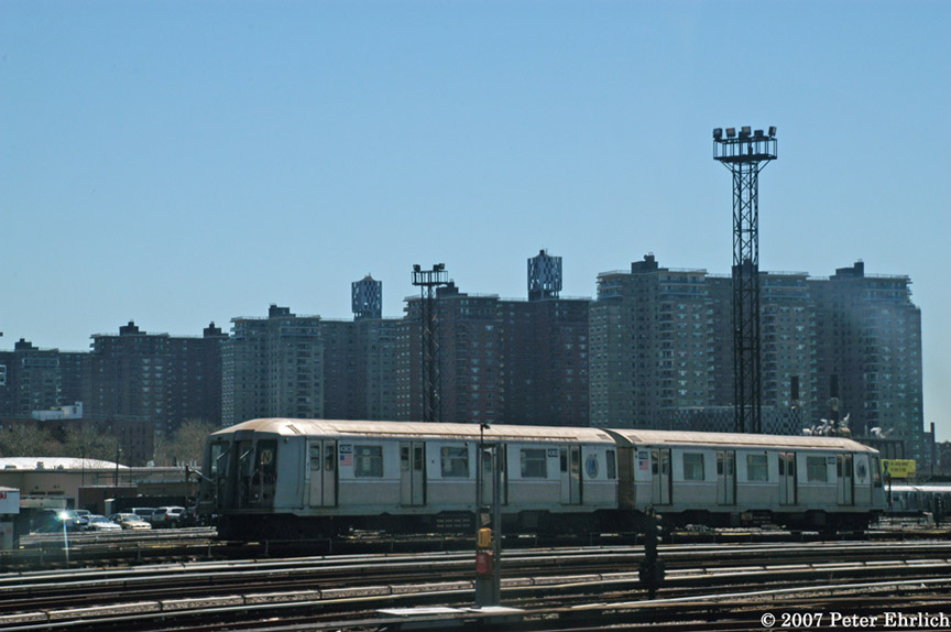 (148k, 864x574)<br><b>Country:</b> United States<br><b>City:</b> New York<br><b>System:</b> New York City Transit<br><b>Location:</b> Coney Island Yard<br><b>Car:</b> R-40 (St. Louis, 1968)  4363/4362 <br><b>Photo by:</b> Peter Ehrlich<br><b>Date:</b> 4/20/2007<br><b>Viewed (this week/total):</b> 1 / 2509